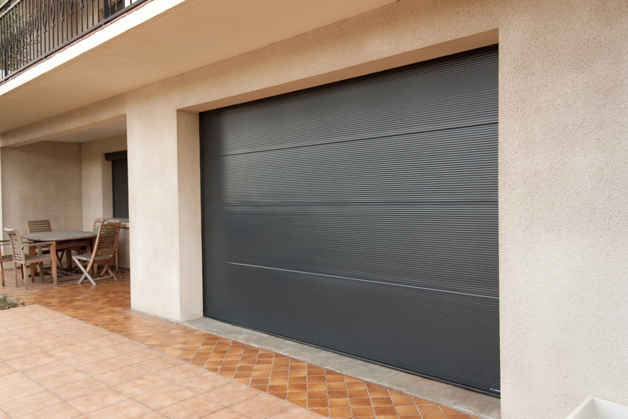 Vals serrurerie ferronnerie portes de garage volets for Porte de garage sectionnelle avec serrurerie metallerie